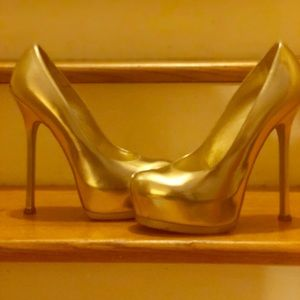 Like New / Authentic / YSL Tribute Too gold pump